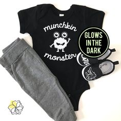 d8a0add1c Newborn Halloween, Baby Halloween Costumes, Halloween Shirt, Halloween Kids,  Gifts For New Moms, Unique Baby, Funny Babies, Baby Bodysuit, Cute Gifts