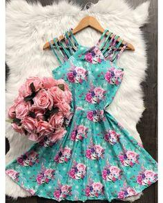 Teenage Outfits, Teen Fashion Outfits, Mode Outfits, Classy Outfits, Cute Fashion, Pretty Outfits, Pretty Dresses, Dress Outfits, Casual Dresses
