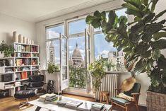 L'appartement donne sur un tableau grand format : le dôme du Sacré-Coeur.