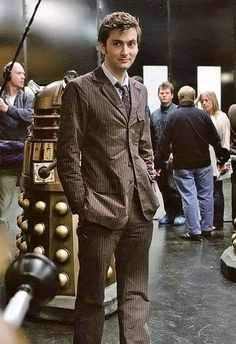 David Tennant as the Tenth Doctor - from the set of Doomsday Happy Tennant Tuesday (or whatever day this post may find you) Doctor Who 10, Doctor Who Quotes, Eleventh Doctor, Christopher Eccleston, Tyler Christopher, Rory Williams, Donna Noble, Matt Smith, Bad Wolf