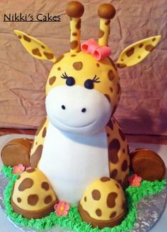 Giraffe by Nikki cakes