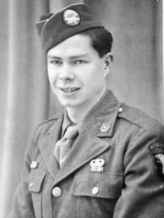 """WW2  William """"Bill"""" Davis 506th PIR HQ  101st Airborne"""