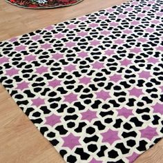 Carpets Online, Living Styles, Carpet Design, Geometric Designs, Luxury Living, Rugs On Carpet, Area Rugs, Outdoor Blanket