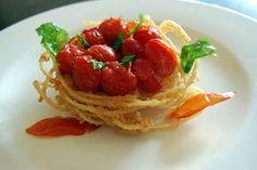 La Tarantolata: Nido di spaghetti con pomodoro e basilico tutti fritti!