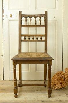 アンティーク ウッドチェアー(アンリ4世様式) French Antique Chair (Henri 4 style)