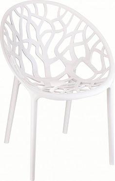 Haal de zomer maar in huis met deze witte variant van de Crystal kunststof stoel van Zuiver. Mocht je in huis geen plek hebben. Wees gerust, deze stoel kan ook