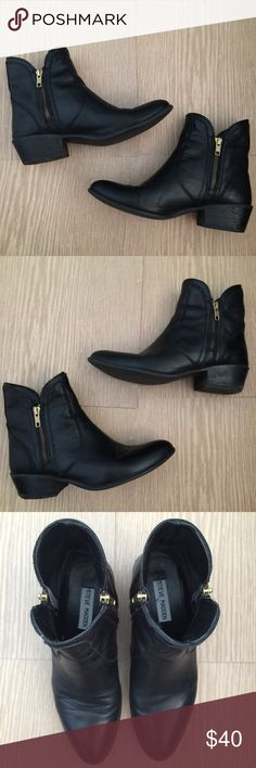 Steve Madden Black Leather side zip boots ▫️No trades ▪️No free shipping  STEVE MADDEN // Black Leather boots w gold side zip detail / Genuine Leather! / Great condition! / ▫️PRICE IS FIRM!  Retail: $150  Size 7 (women's)  *note: very small flaw in both heels where wood part is peeling off. Does not affect heel structure at all, still in great condition*  Tags: boots leather boots ankle zip boots Chelsea ankle boots Steve Madden Shoes Ankle Boots & Booties