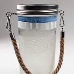 Try this easy-to-attach rope handle to create a beautiful decorative mason jar.
