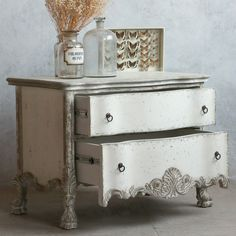Eloquence Roma Stone Commode @LaylaGrayce