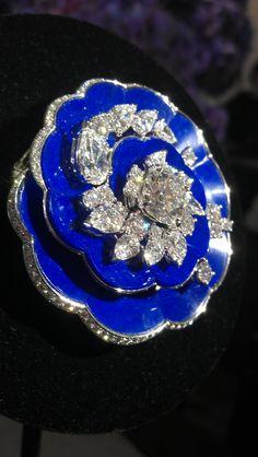 Van Cleef & Arpels Pierres de Caractere brooch in lapis lazuli