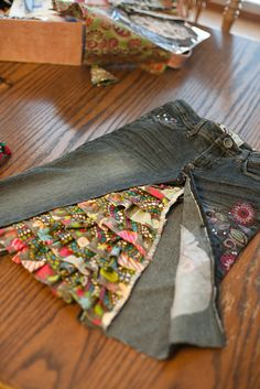 Jeans into skirt - great way to upcycle little girls pants that become to short. This would be great for phoenixs old jeans, she loves skirts Sewing Hacks, Sewing Tutorials, Sewing Crafts, Sewing Projects, Sewing Patterns, Sewing Tips, Sewing Ideas, Diy Clothing, Sewing Clothes