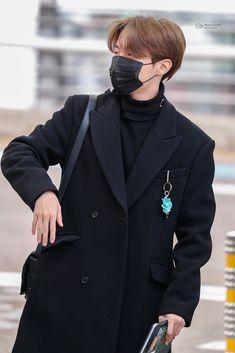 J Hope Gif, J Hope Smile, Bts J Hope, Jung Hoseok, Bts Airport, Airport Style, Airport Fashion, Gwangju, J Hope Selca