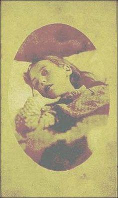 Misterio: Fotos de muertos antiguas. Uy, me parezco a ella!