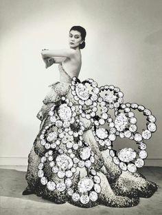 Chicissme by Christian Dior darlings!  #WANTNEEDDESIRECOVET #mrsortonsjewelporninstaglam #sparkaliciousfabulosity #jewelgasms #jewelleryporn #jewelleryaddicted #drooltastic #droolstagram #diamondology #diamondtastic #Diamondporn #diamondenvy @mrs_orton #dior #stylegasm #chictastic