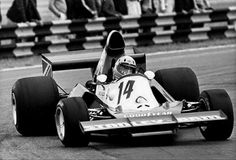Mike Wilds in the Stanley BRM 1975. He took part in 2 races. The car was terrible...