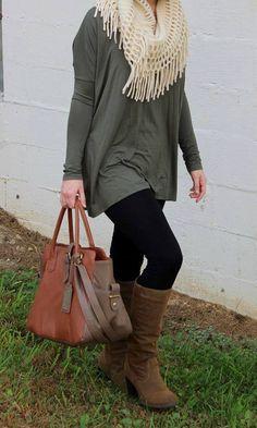 Outfits con Leggins – Moda y Estilo Fashion Moda, Look Fashion, Fashion Outfits, Womens Fashion, Fashion Styles, Fall Fashion, Fashion Trends, Outfits Leggins, Boots And Leggings
