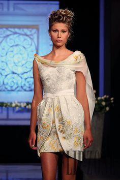 Randa Salamoun Fall-winter 2009-2010 - Couture - http://www.flip-zone.com/randa-salamoun-1031