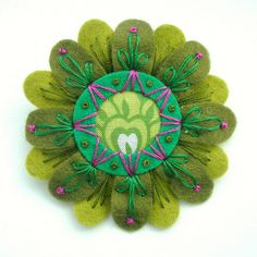 FELT AND FABRIC FLOER BROOCH WITH FREEFORM EMBROIDERY | Flickr - Photo Sharing!
