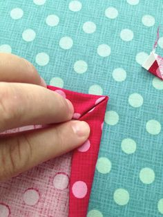 Hobbies And Crafts, Diy And Crafts, Arts And Crafts, Sewing Hacks, Sewing Projects, Sewing Mitered Corners, Bra Hacks, Sewing School, Textiles