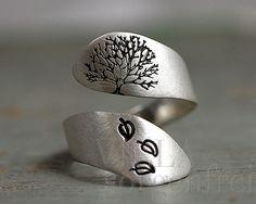 Bagues dorées, Sterling Silver Tree of Life ring est une création orginale de VillaSorgenfrei sur DaWanda