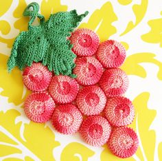Fruity Fun...Cute Vintage Pink Grapes Bottlecap Trivet | Pink Grapefruit Style