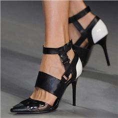 Shoespie Black Contrast Color Buckle Stiletto Heels