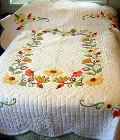VINTAGE 60'S HANDMADE APPLIQUE QUILT FROM KIT UNUSED HANDQUILTED