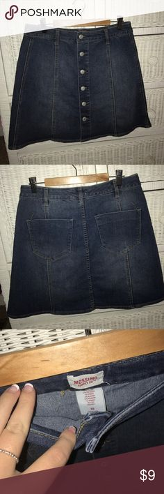 Denim Skirt NWOT never worn!! super cute and comfortable! Fits size M/L Mossimo Supply Co. Skirts Circle & Skater