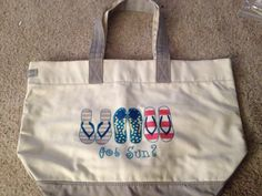Perfect summer tote www.mythirtyone.com/alcarrio get yours today!