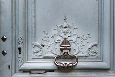 Easy Paris Photography Tips - How to Capture the Little Things / Image by Georgianna Lane