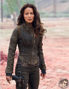 Character Inspiration - Kate (Moon Bloodgood as Blair Williams, Terminator Salvation) Moon Bloodgood, Apocalypse Fashion, Post Apocalypse, Zombie Apocalypse Outfit, Film Science Fiction, Blair Williams, Dystopian Fashion, Post Apocalyptic Fashion, Post Apocalyptic Clothing