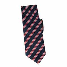 Cravate slim en soie marine à rayures rouge #cravate http://www.cafecoton.fr/cravate-soie-homme/10790-cravate-slim-en-soie-marine-a-rayures-rouge.html