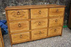 Great Way 2 Revamp Furniture Stick a Wine Crate on it http://www.rue-des-relookeurs.com/blog/article-esprit-recup-des-meubles-en-caisses-de-vin,77.html …