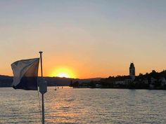ZSG Boat Cruises on Lake Zurich - NewinZurich - Your Guide To Living in Zurich Best Pontoon Boats, Lake Zurich, Small Sailboats, Boat Engine, Boat Fashion, Parasailing, Boat Accessories, Boat Rental, Lake George