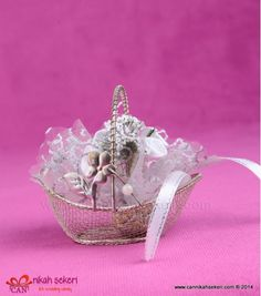 Sepet Nikah Şekeri MT15  #nikahsekeri #cannikahsekeri #wedding #weddingcandy #gift #istanbul #bride #gelinlik #dugun #dugun #davetiye #seker #love #animals #fashion #followme #life #me #nice #fun #cute @cannikahsekeri Wedding Candy, Istanbul, Bride, Cute, Gifts, Animals, Jewelry, Fashion, Wedding Bride