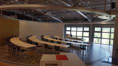 EGGER gyárlátogatás 🏭 Dudás Nórával, Varga Anikóval és Varga Erika kolléganőnkkel. Programjuk:  9:00-12:00  👀Látogatás a Forumban a St. Johann-i cégközpontban:  ✔️Trendprezentácio ✔️Prezentácio a padló kategoriákrol ✔️Vezetett túra a Forumban ✔️Ebéd a Stammhausban (Egger étterem)