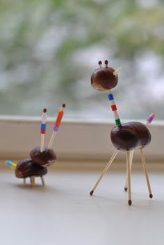 Kastanientiere. Conker animals, use toothpicks instead of matches