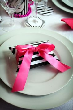 love the stripes and pink bow. birthday present gift box large enough to fit a gift card.