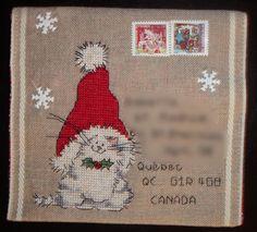 """Enveloppe brodée au point de croix """"Le chat de noël"""", prête à l'envoi et personnalisable (sur commande)"""
