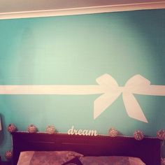Please can you help me find this wall sticker for my room one big enough like that one and any other tiffany and co wall decal would be great!