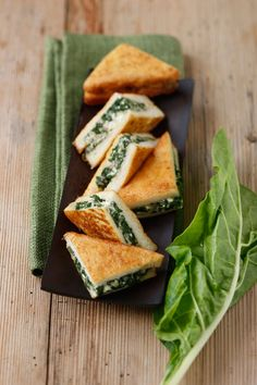 Toasts mit Feta und Mangold I  GUSTO / Theresa Schrems I http://www.gusto.at
