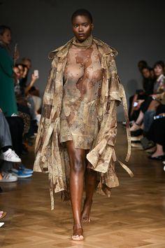 Selam Fessahaye Stockholm Spring 2019 Fashion Show Collection: See the complete Selam Fessahaye Stockholm Spring 2019 collection. Look 17 African Beauty, African Women, Runway Fashion, Fashion Models, Womens Fashion, Curvy Girl Lingerie, Swedish Fashion, See Through Dress, Unique Fashion