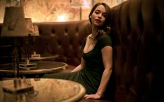 Emilia Clarke in a Cafe with Green Dress - HD Wallpapers - Free Wallpapers - Desktop Backgrounds