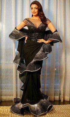 Bollywood actress Kajal agarwal at Zee apsara award 2018 Trendy Sarees, Stylish Sarees, Saree Draping Styles, Saree Styles, Bollywood Fashion, Bollywood Actress, Tamil Actress, Saree Gown, Lengha Choli