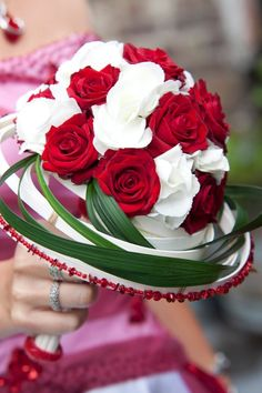 Het Bladmotief - Cursussen hedendaags bloemschikken | Themaworkshops - Petra Matthys - Eeklo Petra, Flower Art, Rose, Artist, Flowers, Plants, Art Floral, Pink, Roses