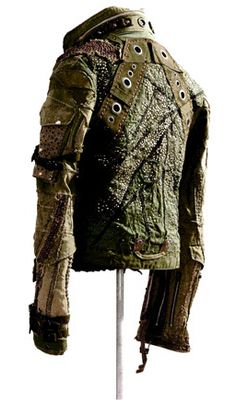 Post apocalyptic jacket- love the texture. Post Apocalyptic Clothing, Post Apocalyptic Costume, Post Apocalyptic Fashion, Apocalypse Fashion, Post Apocalypse, Larp, Style Steampunk, Future Fashion, Looks Cool
