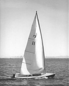 The Banshee, the Laser's early rival, was a good boat with a useful cockpit, but a more complicated appearance. It still has some small club fleets. Photo from the class association site. Best Boats, Dinghy, Set Sail, Surfboard, Sailing, History, Yachts, Hobbies, Ships