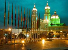 Turismo religioso en Armenia | Turismo Eje Cafetero - Templo San Francisco Armenia, Iglesia San Francisco, Cities, Taj Mahal, How To Memorize Things, Culture, Country, Building, Travel