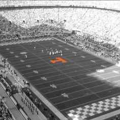 Neyland Stadium - University of Tennessee Tennessee Volunteers Football, Tennessee Football, Football Tailgate, University Of Tennessee, Football Stadiums, College Football, Neyland Stadium, Tennessee Girls, Eric Decker