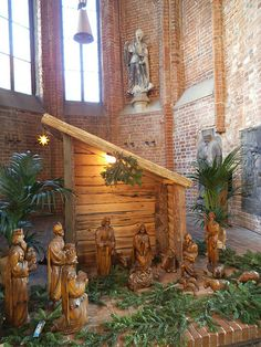 icu ~ krippe in der marktkirche hannover-deutschland Christmas Manger, Christmas Yard Art, Christmas Nativity Scene, Merry Christmas To You, Christmas Holidays, Church Christmas Decorations, Christmas Tree Themes, Outdoor Nativity Scene, Christmas Arrangements